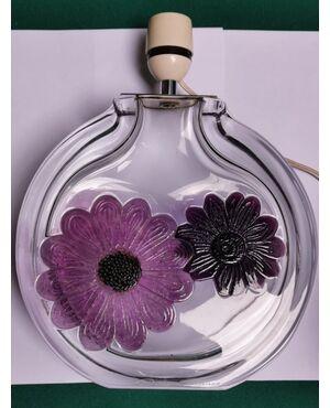 LAMPADA da TAVOLO in cristallo con fiori applicati viola (molto pesante) - Firmata: DAUM FRANCE Anni '70 L max 22  H max 29 cm