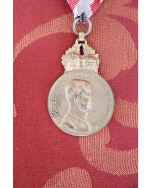 Rara medaglia al merito da collezione in bronzo dorato Carlo I d'Austria euro 90