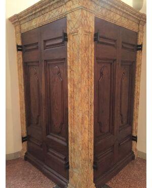 Porte antiche |  Coppia di ante bugnate per portone in rovere massello