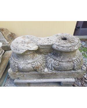 Doppio Capitello in pietra calcarea