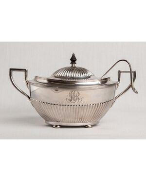 Zuppiera o legumiera in silver plate - O/3560 e 3564