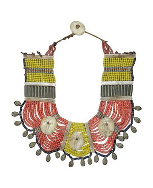 Antica collana NAGALAND su pannello - O/5381