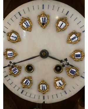 Orologio con il quadrante in alabastro di fine 800