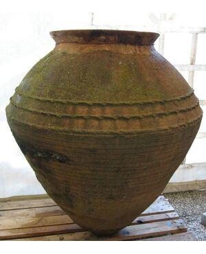 Anfora antica in terracotta. Grecia, paesi del mediterraneo.