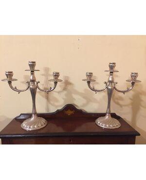 Coppia di candelabri in argento 800