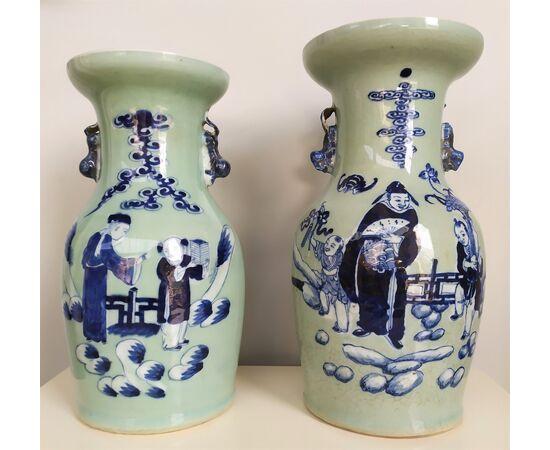 2 vasi in porcellana Celadon - h 34 cm - Cina XIX sec.